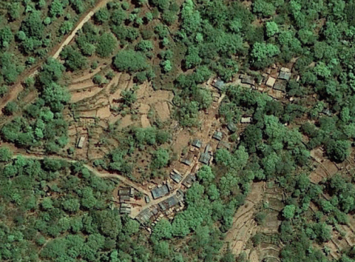Satellite view of the village of Regidising